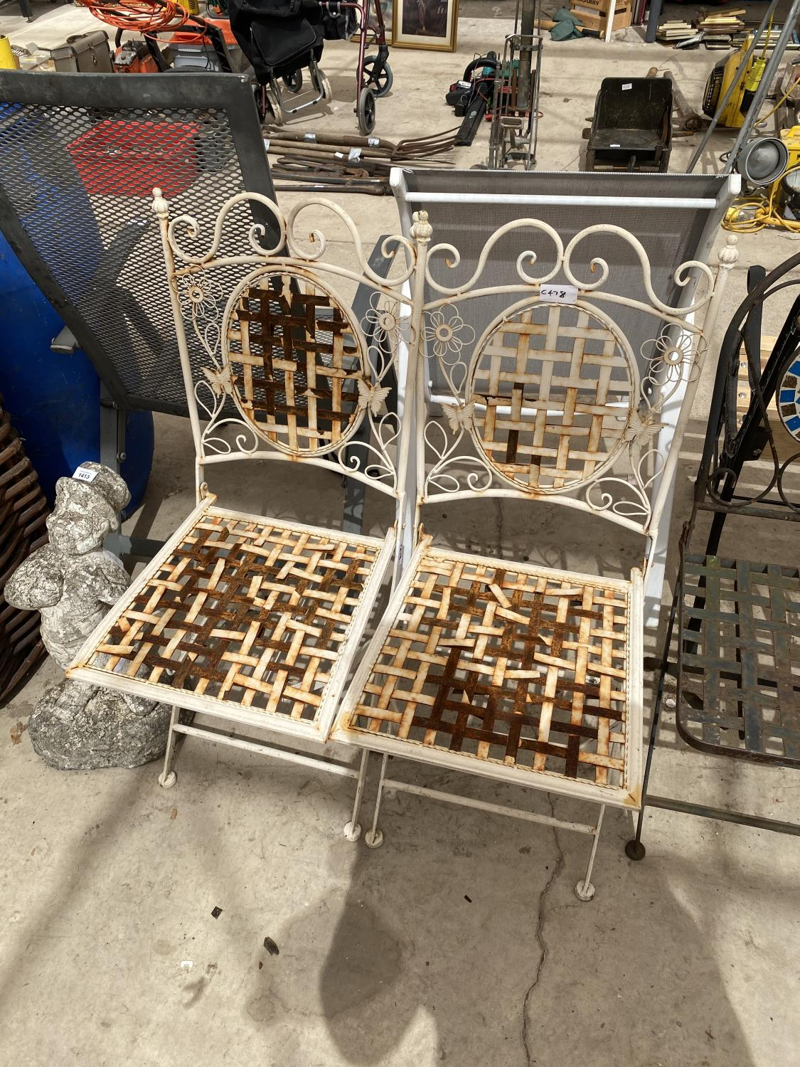 A GROUP OF THREE PAIRS OF FOLDING GARDEN CHAIRS - Image 4 of 4