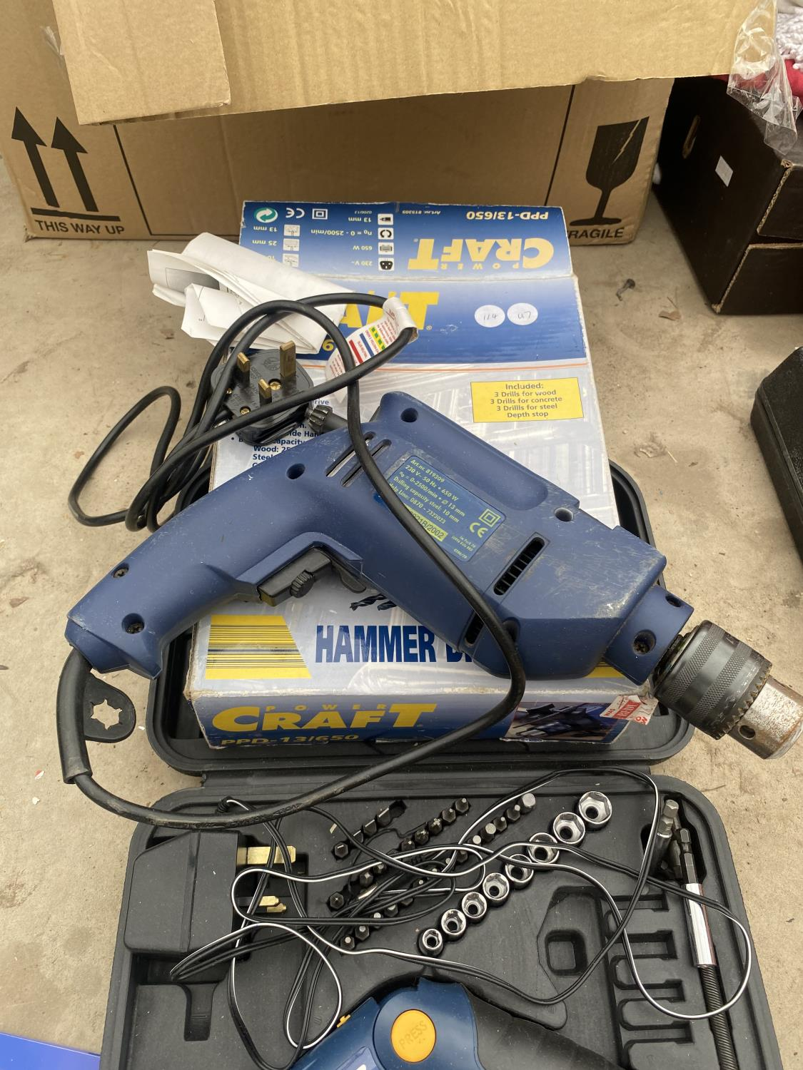 A POWER CRAFT SOCKET SET A POWER CRAFT HAMMER DRILL AND TITAN PRO DRILL BITS AND BLACK AND DECKER - Image 4 of 5