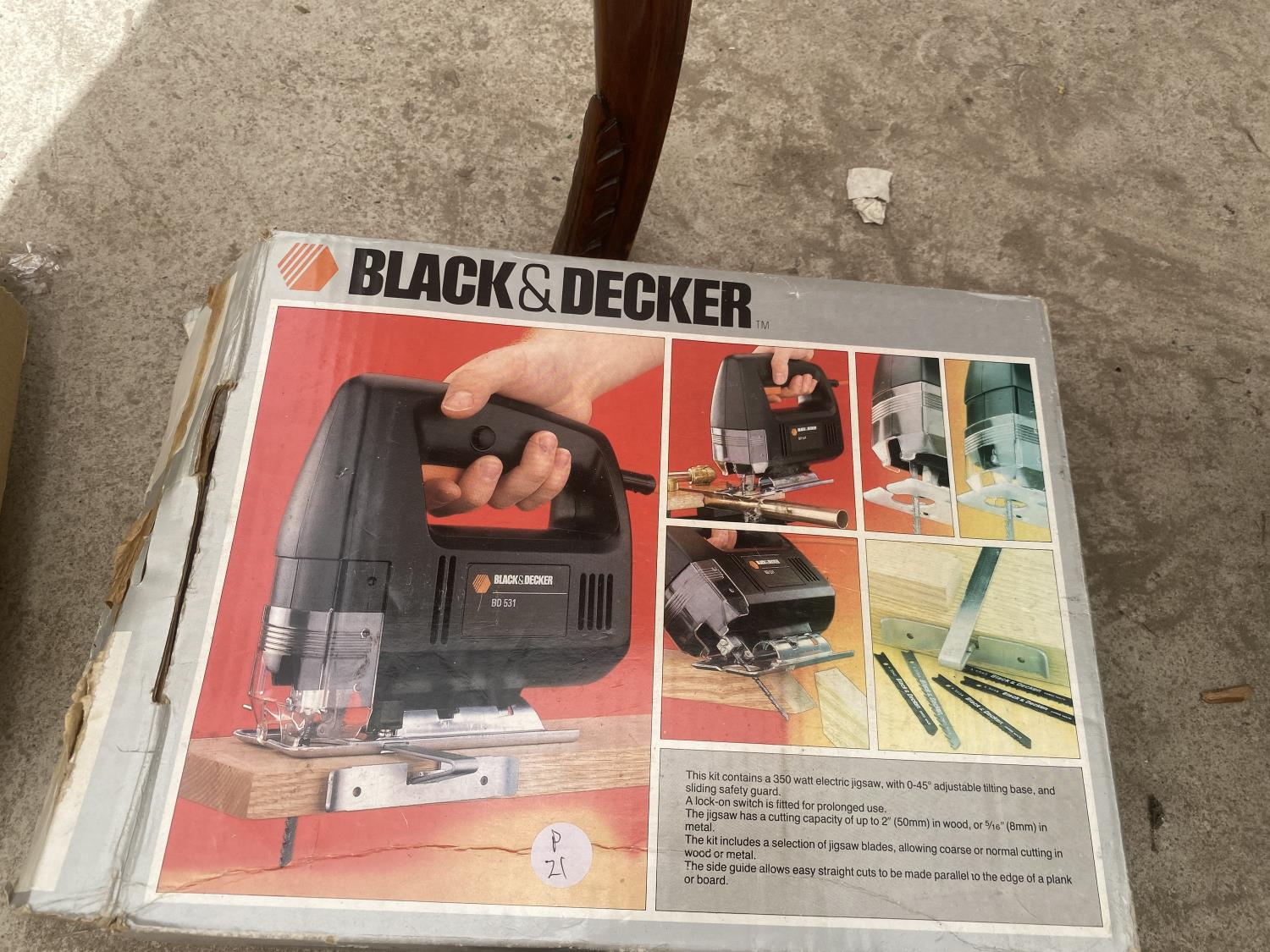 A BLACK AND DECKER SANDER AND A BLACK AND DECKER JIGSAW - Image 3 of 3