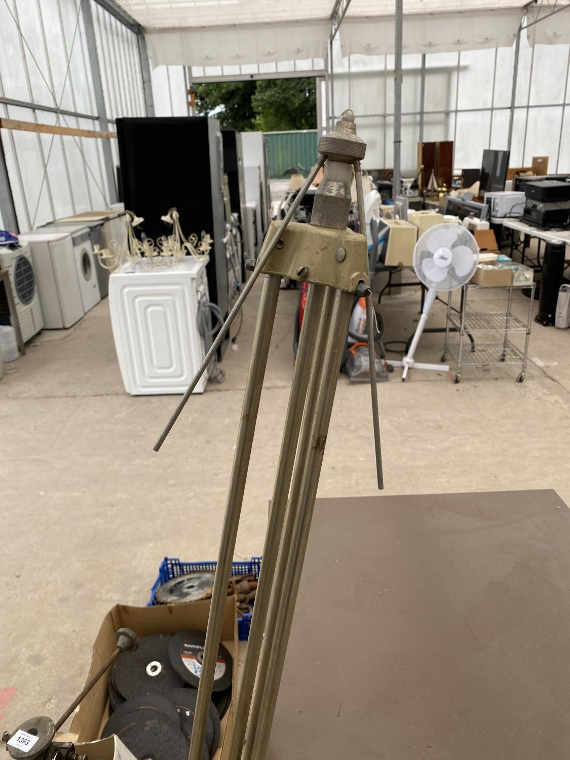 A VINTAGE CAMERA TRIPOD AND A FURTHER TRIPOD STAND - Image 4 of 4