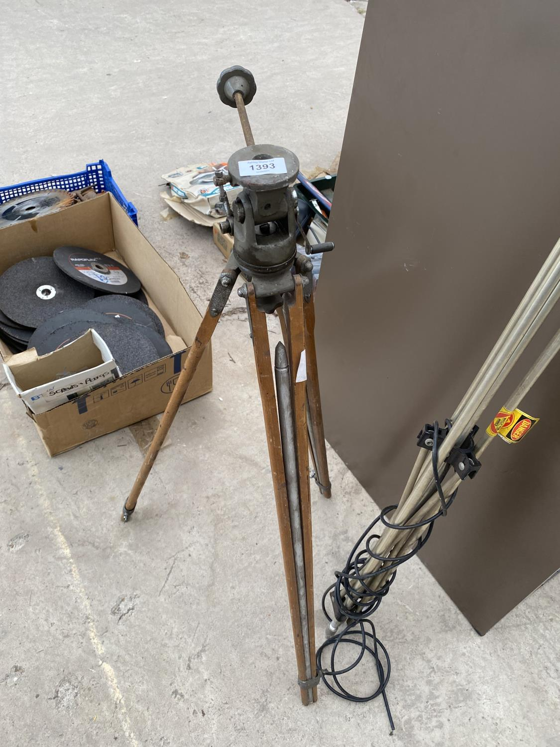 A VINTAGE CAMERA TRIPOD AND A FURTHER TRIPOD STAND - Image 2 of 4