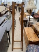 A MID 20TH CENTURY FREE STANDING MAHOGANY HALL HAT/COAT STAND
