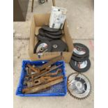A LARGE QUANTITY OF AS NEW CUTTING DISCS AND FURTHER HAND TOOLS ETC