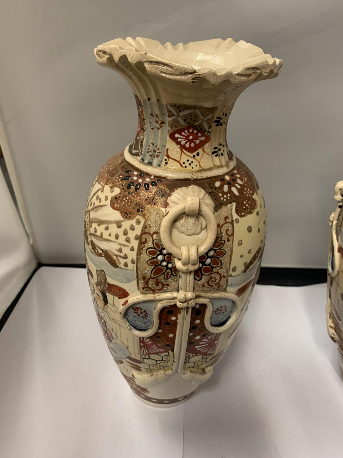 TWO HIGHLY DECORATIVE SATSUMA STYLE ORIENTAL VASES, HEIGHT 32CM, NUMBER '31' TO BASE - Image 2 of 3
