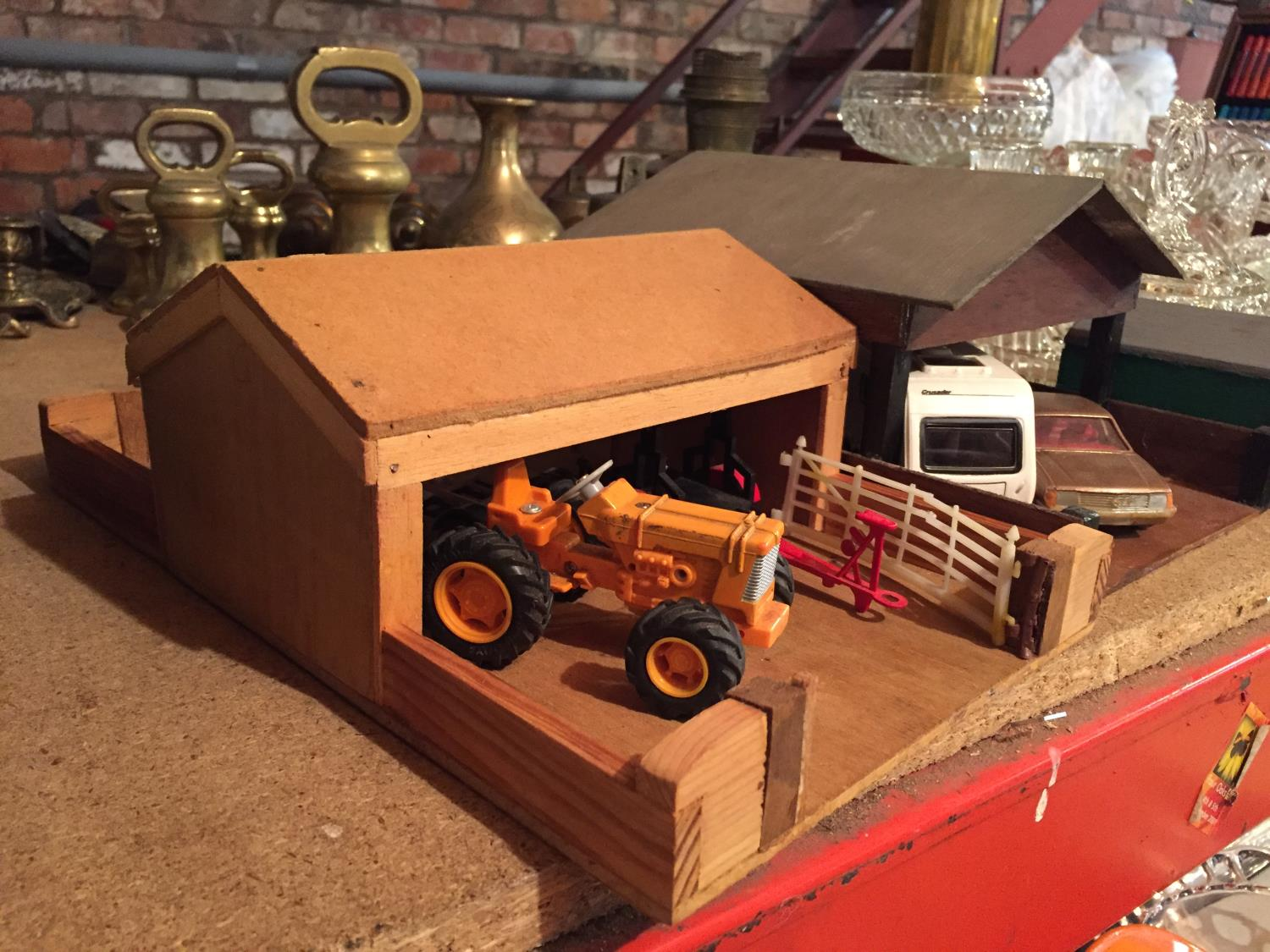 THREE WOODEN BUILDINGS WITH VEHICLES TO INCLUDE A TRACTOR AND TRAILERS, CARAVAN,CAR - Image 4 of 6