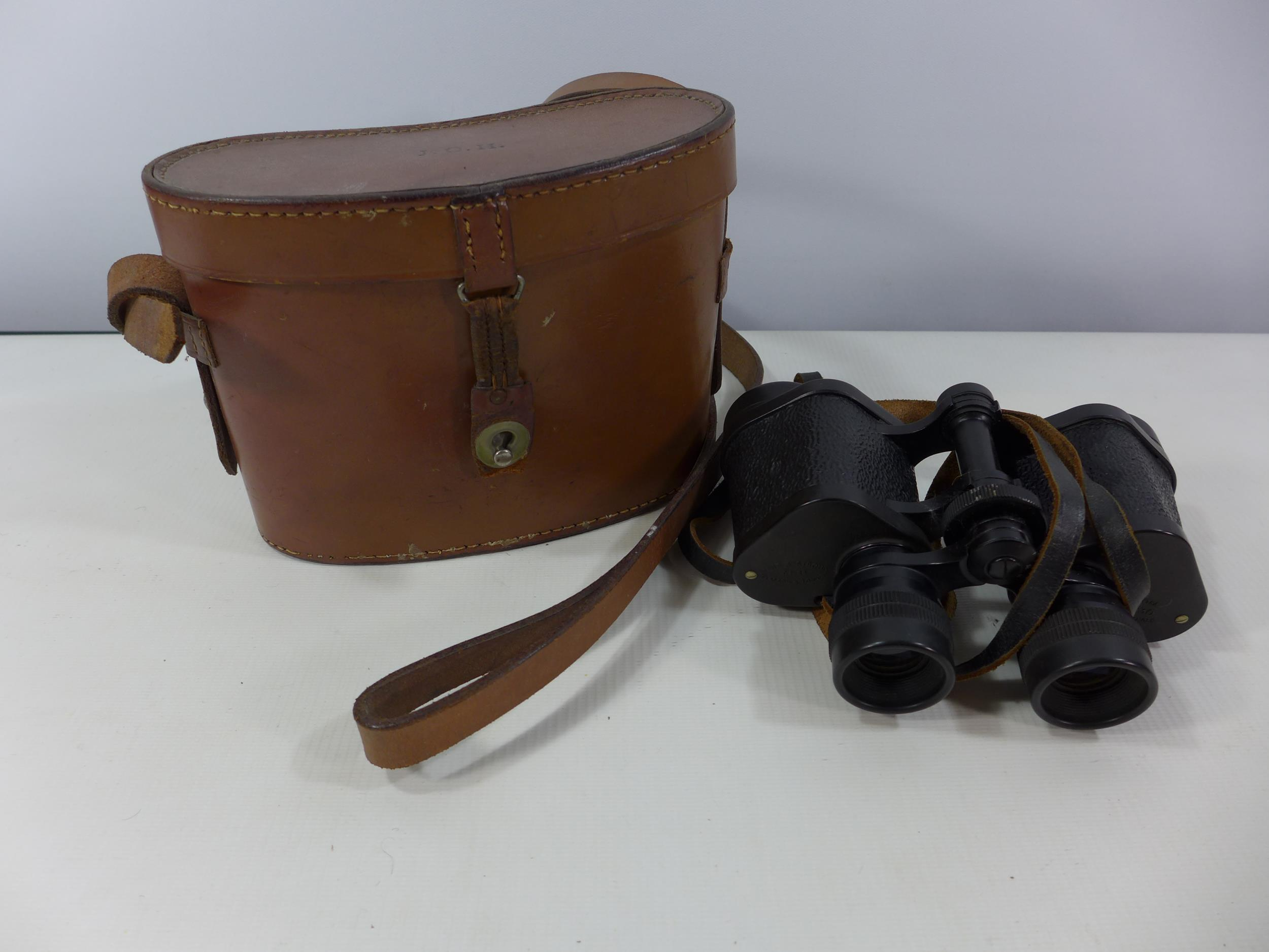 A PAIR OF BARR AND STROUD C.F.24 8X30 BINOCULARS AND LEATHER CASE