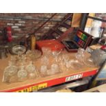 A LARGE QUANTITY OF GLASSWARE TO INCLUDE TRINKET BOXES, GLASSES, GLASS SWAN DISH,PEDESTAL BOWLS ETC