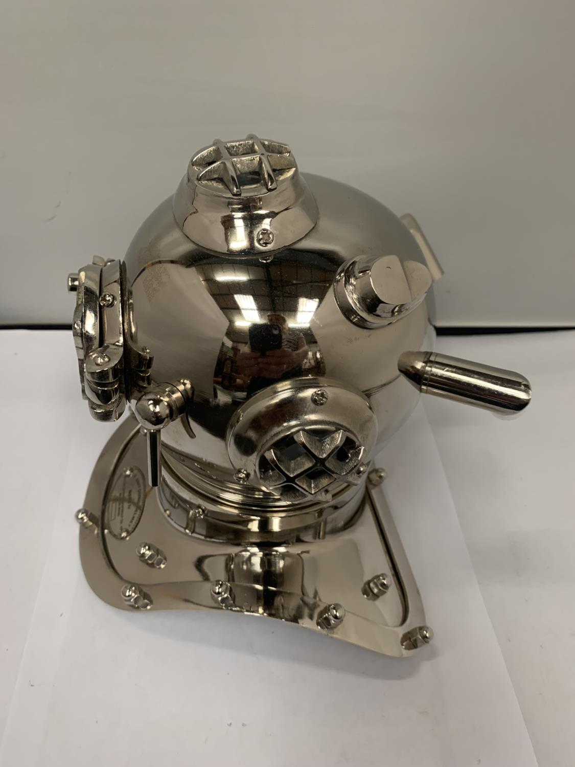 A CHROME MODEL OF A DIVERS HELMET - Image 2 of 3