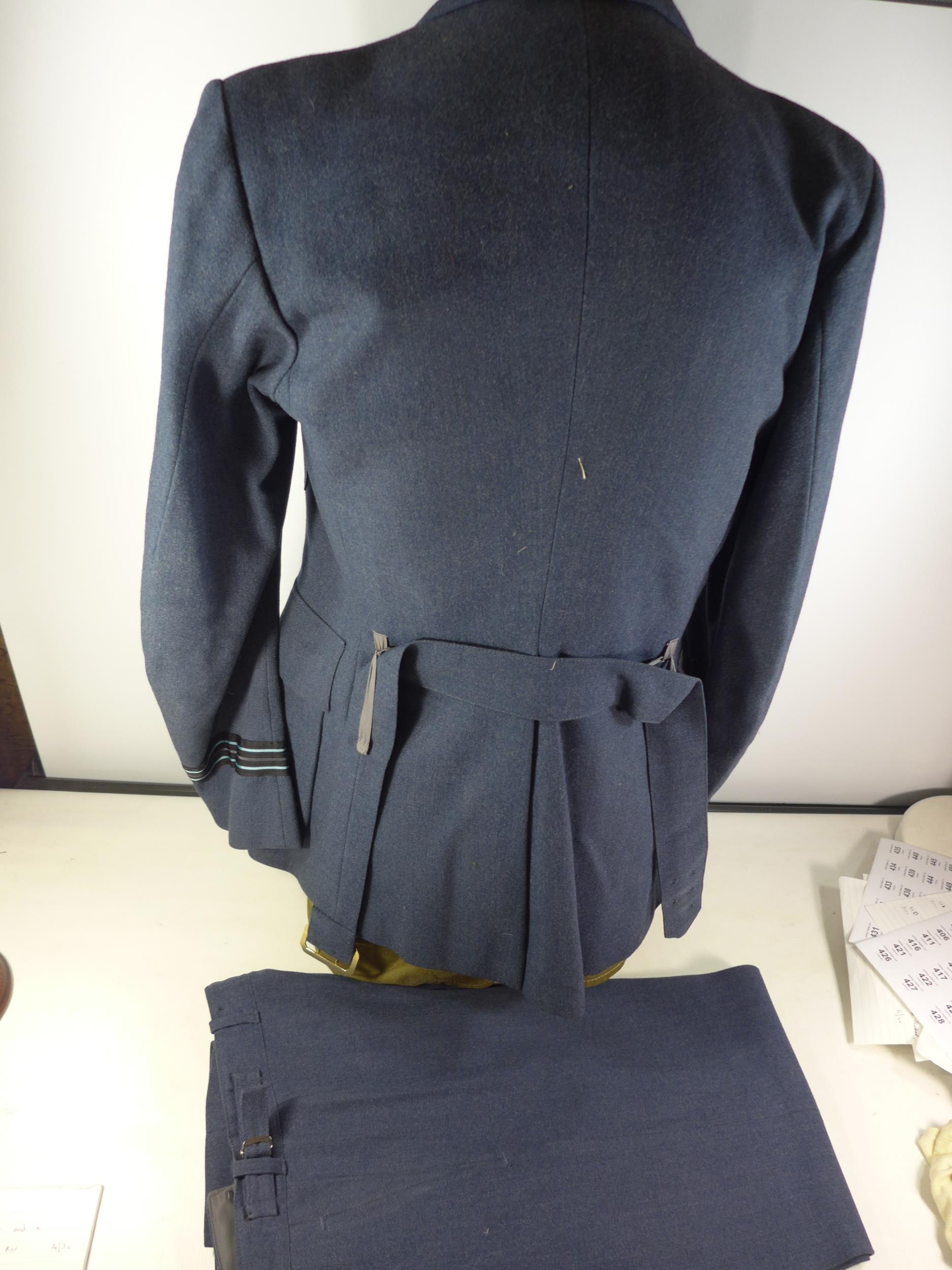 A RAF NO.1 DRESS WARRANT OFFICERS UNIFORM COMPRISING OF A JACKET AND TROUSERS, SEE IMAGE FOR SIZE - Image 2 of 3