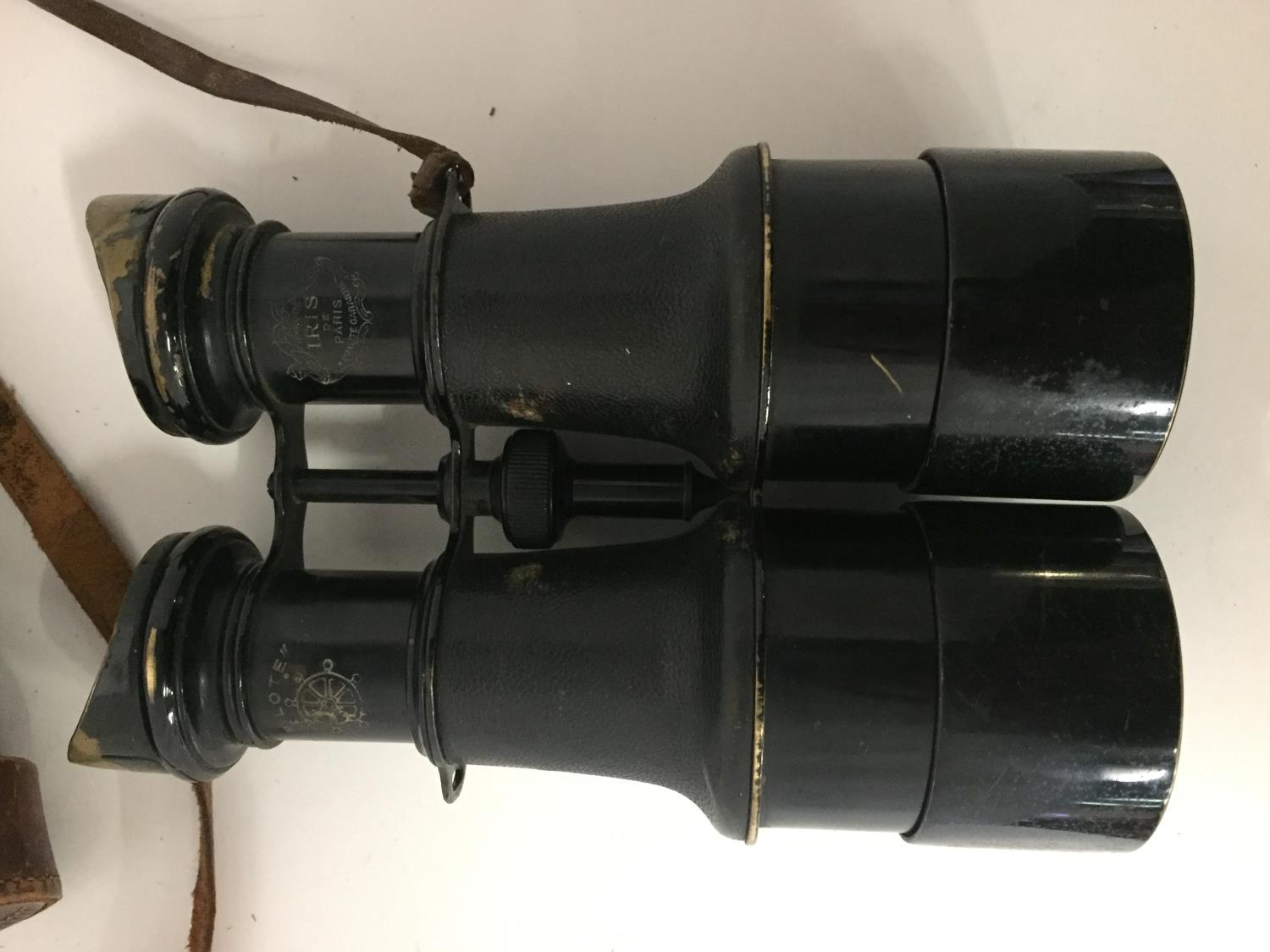A PAIR OF EARLY 20TH CENTURY PILOTE BINOCULARS BY IRIS DE PARIS WITH LEATHER CASE - Image 3 of 4