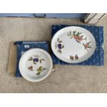 TWO PIECES OF ROYAL WORCESTER OVEN TO TABLEWARE TO INCLUDE A DISH AND A MEAT PLATE