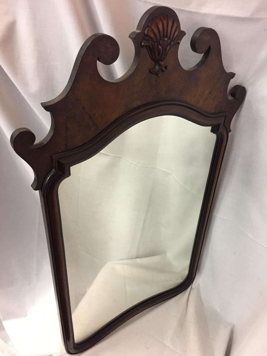 A LARGE OAK FRAMED MIRROR HEIGHT 93CM - Image 2 of 4