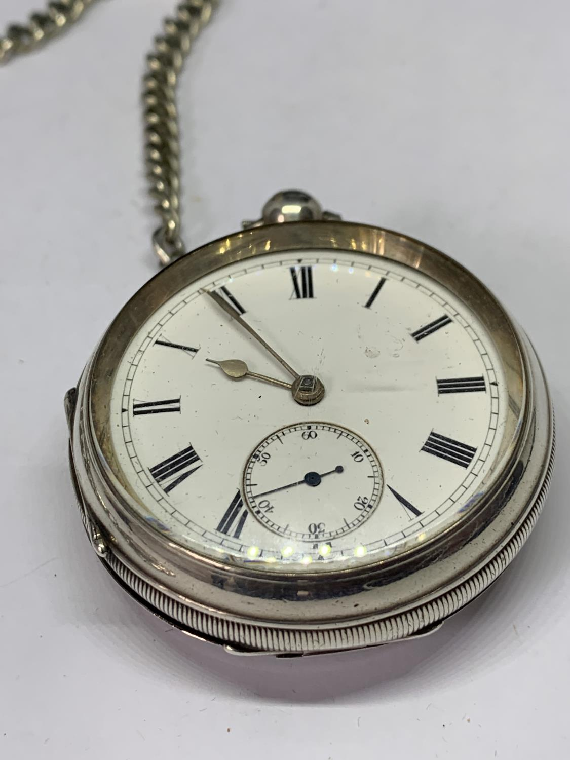 A HALLMARKED BIRMINGHAM SILVER POCKET WATCH WITH ALBERT CHAIN AND FOB - Image 2 of 4