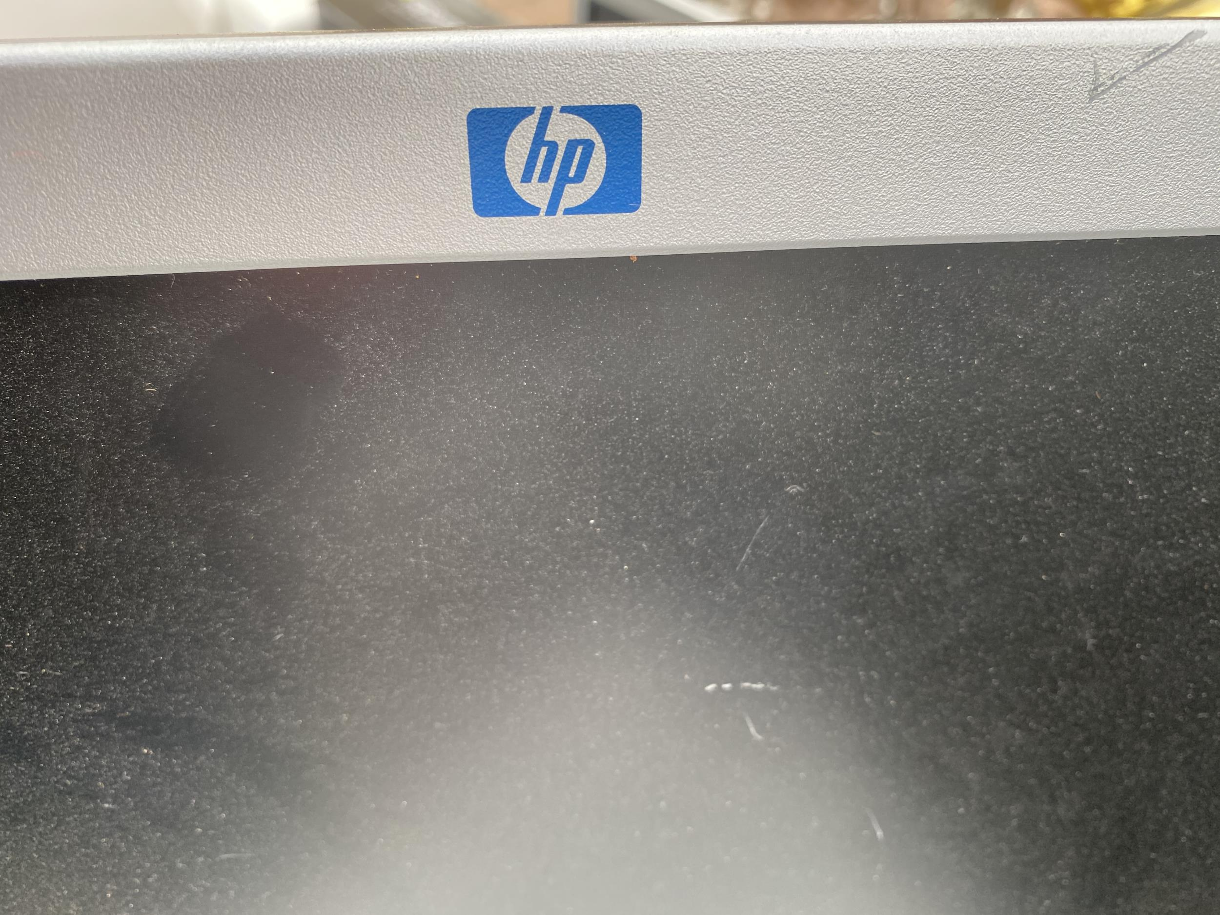 A HP 1702 MONITOR AND A FURTHER DELL MONITOR - Image 3 of 3