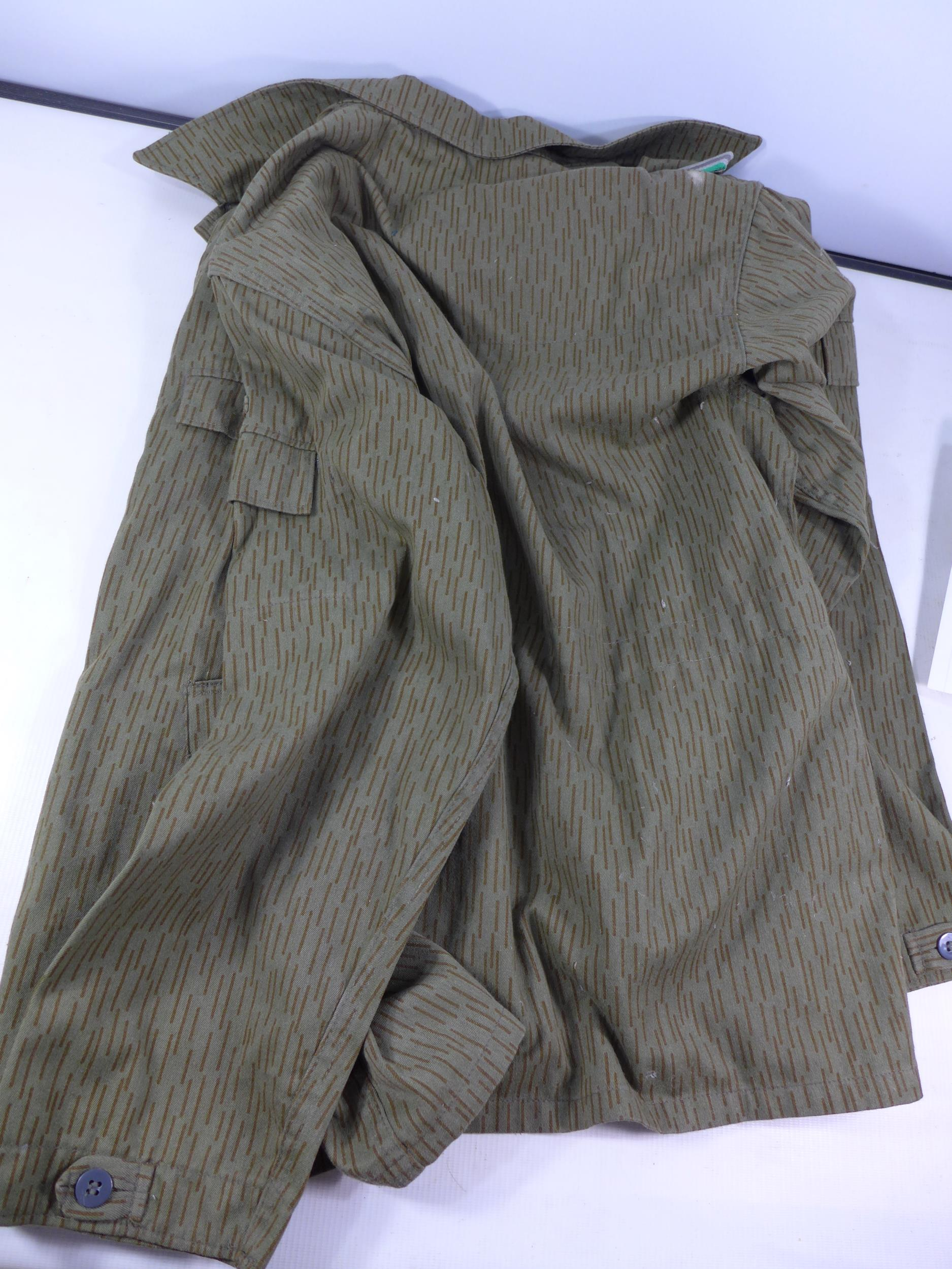 A POST WWII UNIFORM, PROBABLY GERMAN COMPRISING OF A JACKET AND TROUSERS - Image 3 of 6
