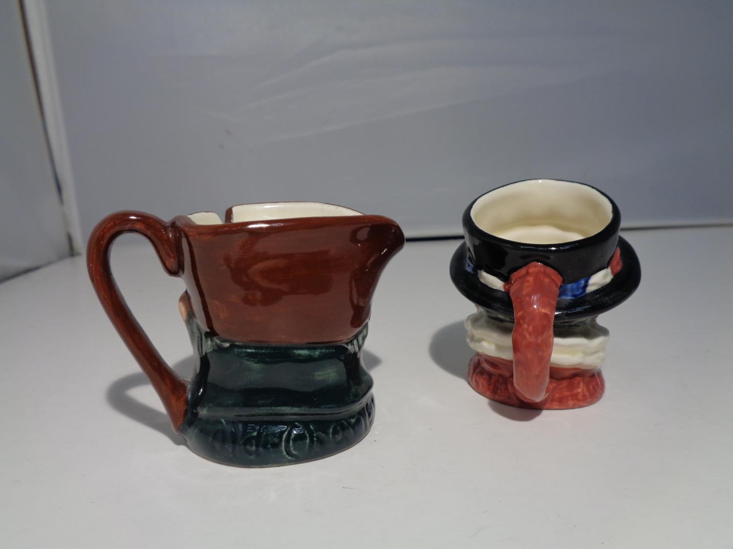 TWO MINIATURE ROYAL DOULTON TOBY JUGS 'BEEFEATER' AND 'OLD CHARLEY' - Image 3 of 6