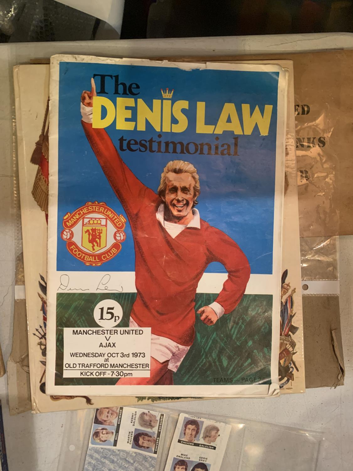 A LARGE QUANTITY OF EPHEMERA TO INCLUDE A DENNIS LAW TESTOMNIAL PROGRAMME, VINTAGE CIGARETTE - Image 8 of 10