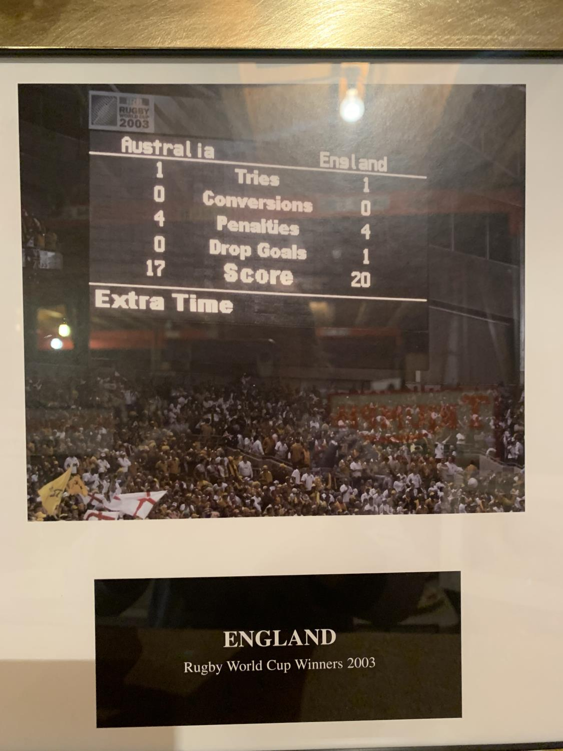 A FRAMED PRINT OF RUGBY WORLD CUP WINNERS 2003 - Image 6 of 8