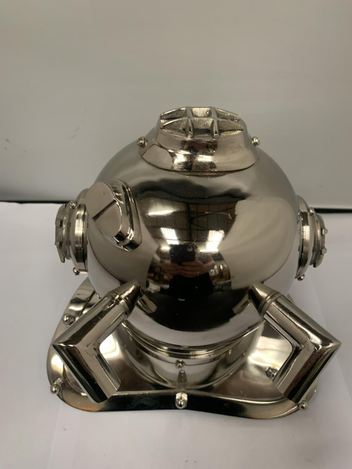 A CHROME MODEL OF A DIVERS HELMET - Image 3 of 3