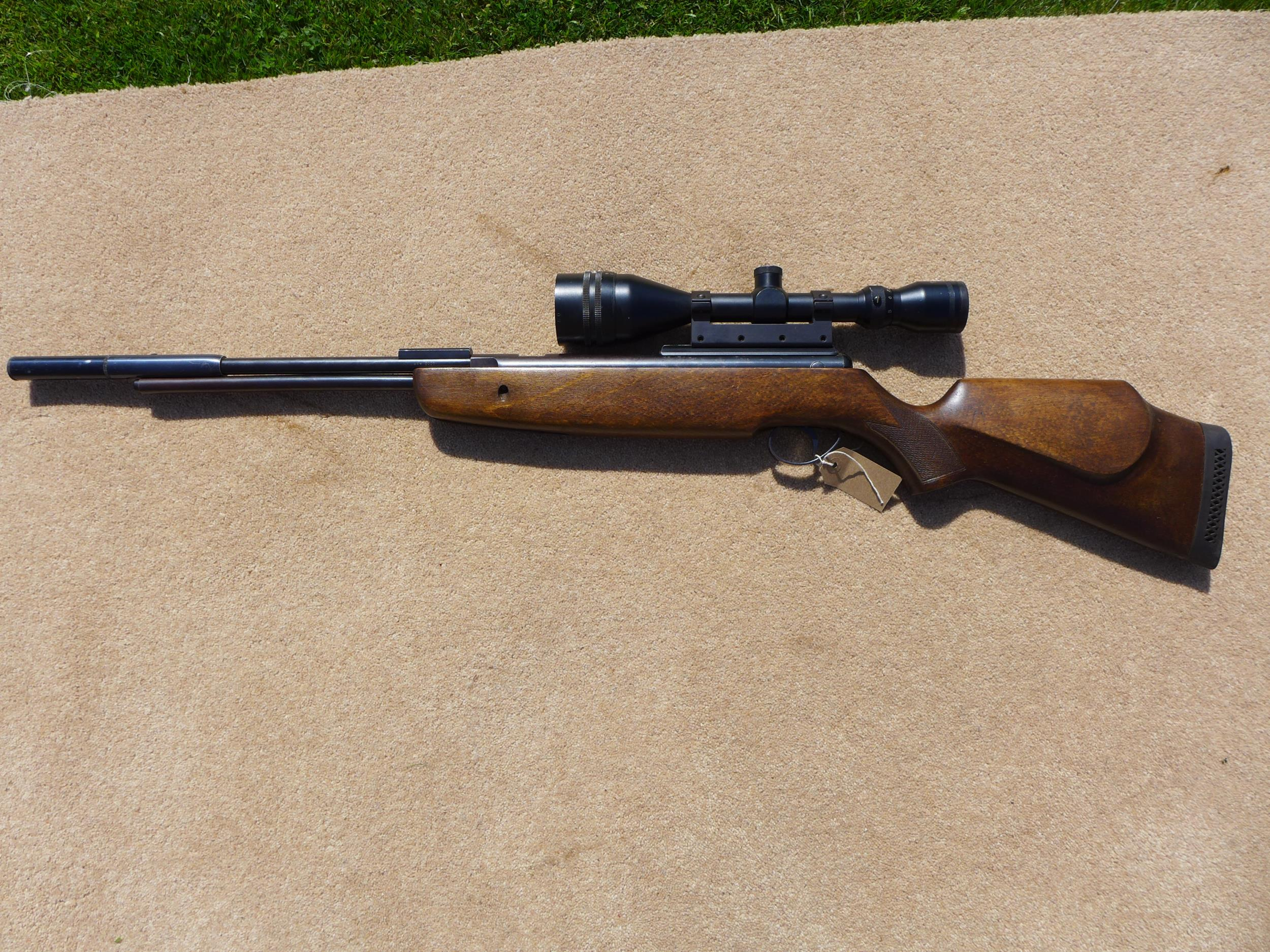 A .22 CALIBRE UNDERLEVER AIR RIFLE WITH SILENCER, LENGTH 47CM, WITH TASCO 9X50 TELESCOPIC SIGHTS - Image 2 of 7