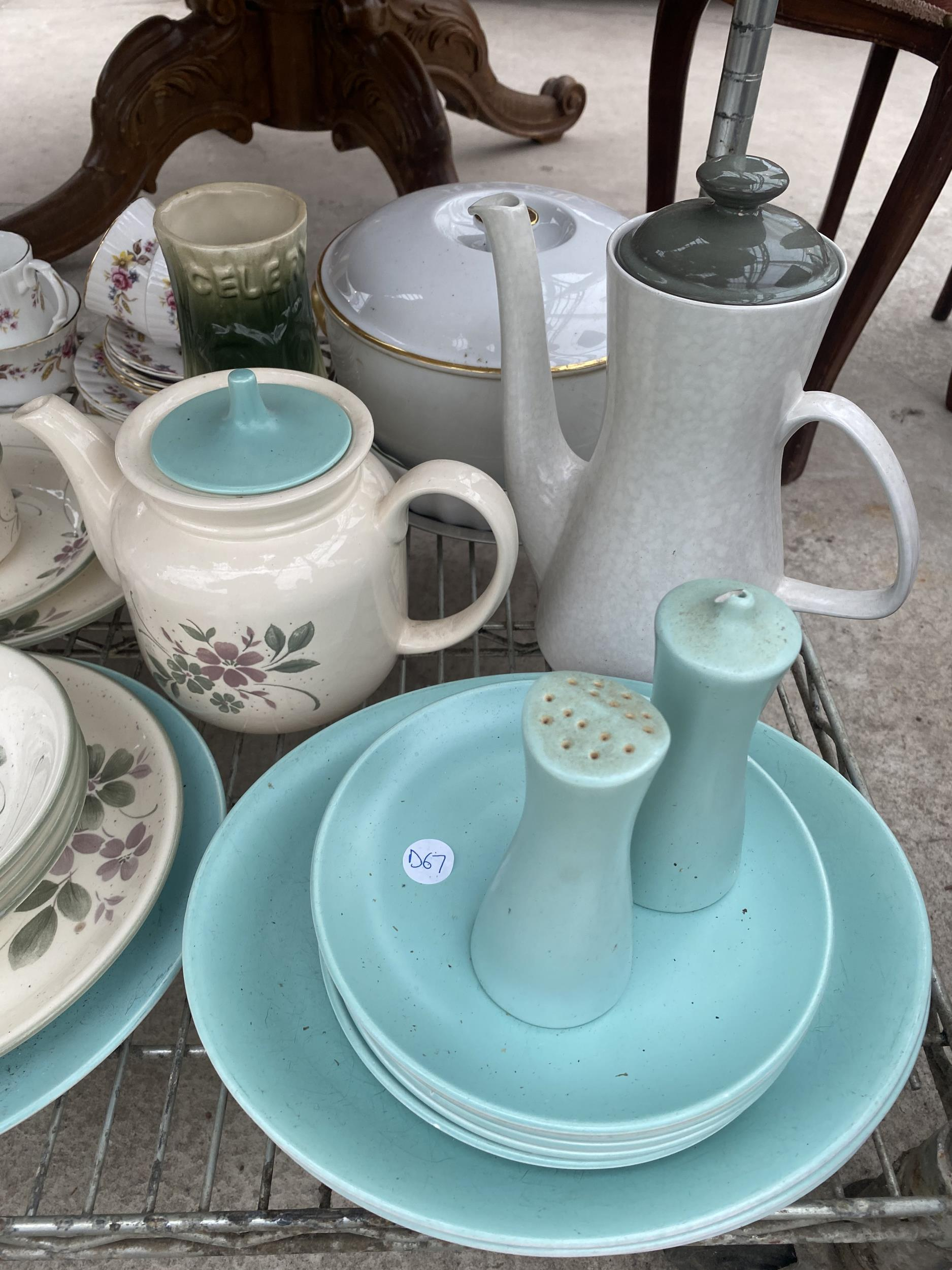 AN ASSORTMENT OF CERAMIC WARE TO INCLUDE PLATES, JUGS, AND TRIOS ETC - Image 2 of 4