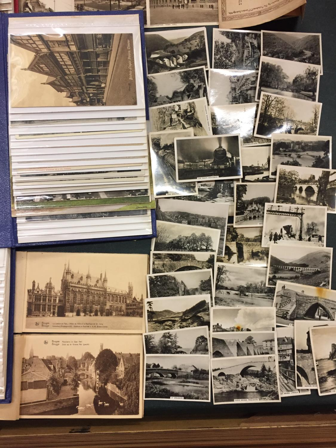 A LARGE COLLECTION OF 550+ ANTIQUE AND VINTAGE POSTCARDS RANGING FROM 1908-1970'S. MAINLEY UK - SOME - Image 11 of 14