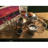 A SELECTION OF SILVER PLATE TO INCLUDE A ROLL TOP SERVING DISH