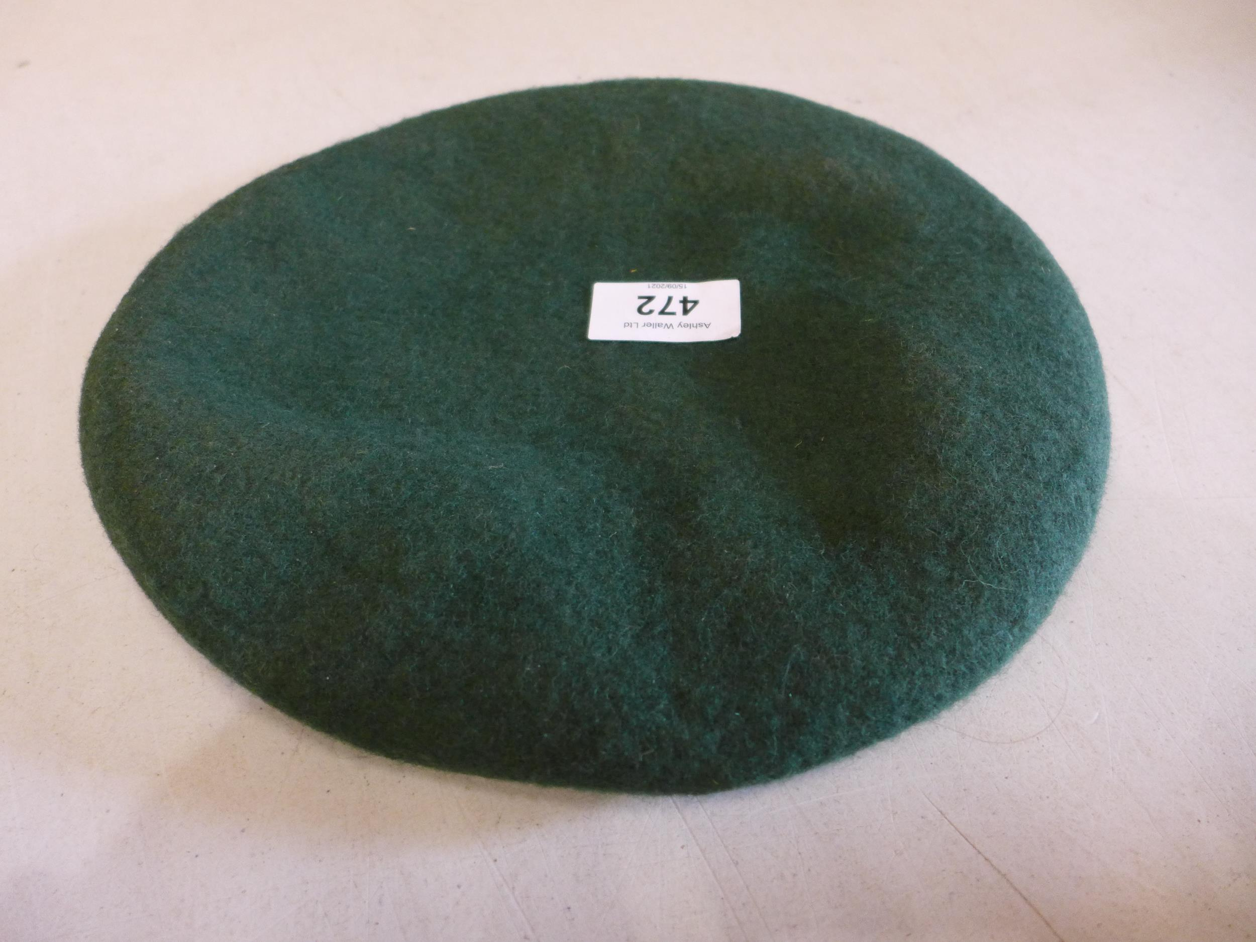 A ROYAL MARINES GREEN BERET, SIZE 49 - Image 4 of 4