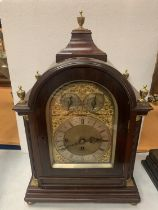 A CIRCA 1890 MAHOGANY BRACKET CLOCK BY MARTIN OF LONDON, HAVING EIGHT DAY MOVEMENT WITH STRIKING AND