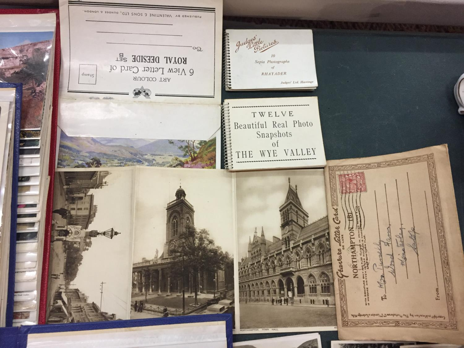 A LARGE COLLECTION OF 550+ ANTIQUE AND VINTAGE POSTCARDS RANGING FROM 1908-1970'S. MAINLEY UK - SOME - Image 13 of 14