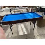 A FOLDING POOL TABLE (152CMX76CM)