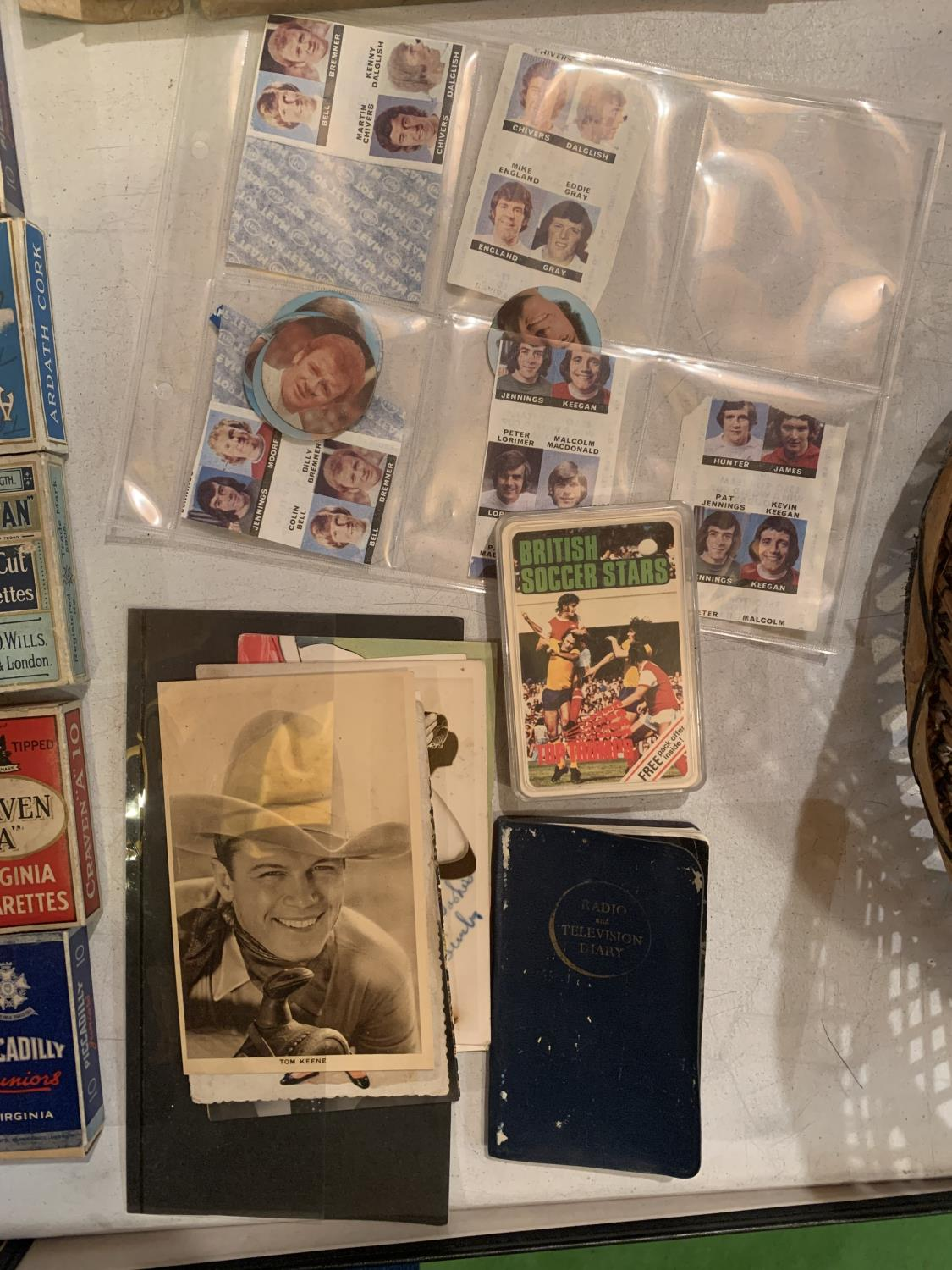 A LARGE QUANTITY OF EPHEMERA TO INCLUDE A DENNIS LAW TESTOMNIAL PROGRAMME, VINTAGE CIGARETTE - Image 6 of 10
