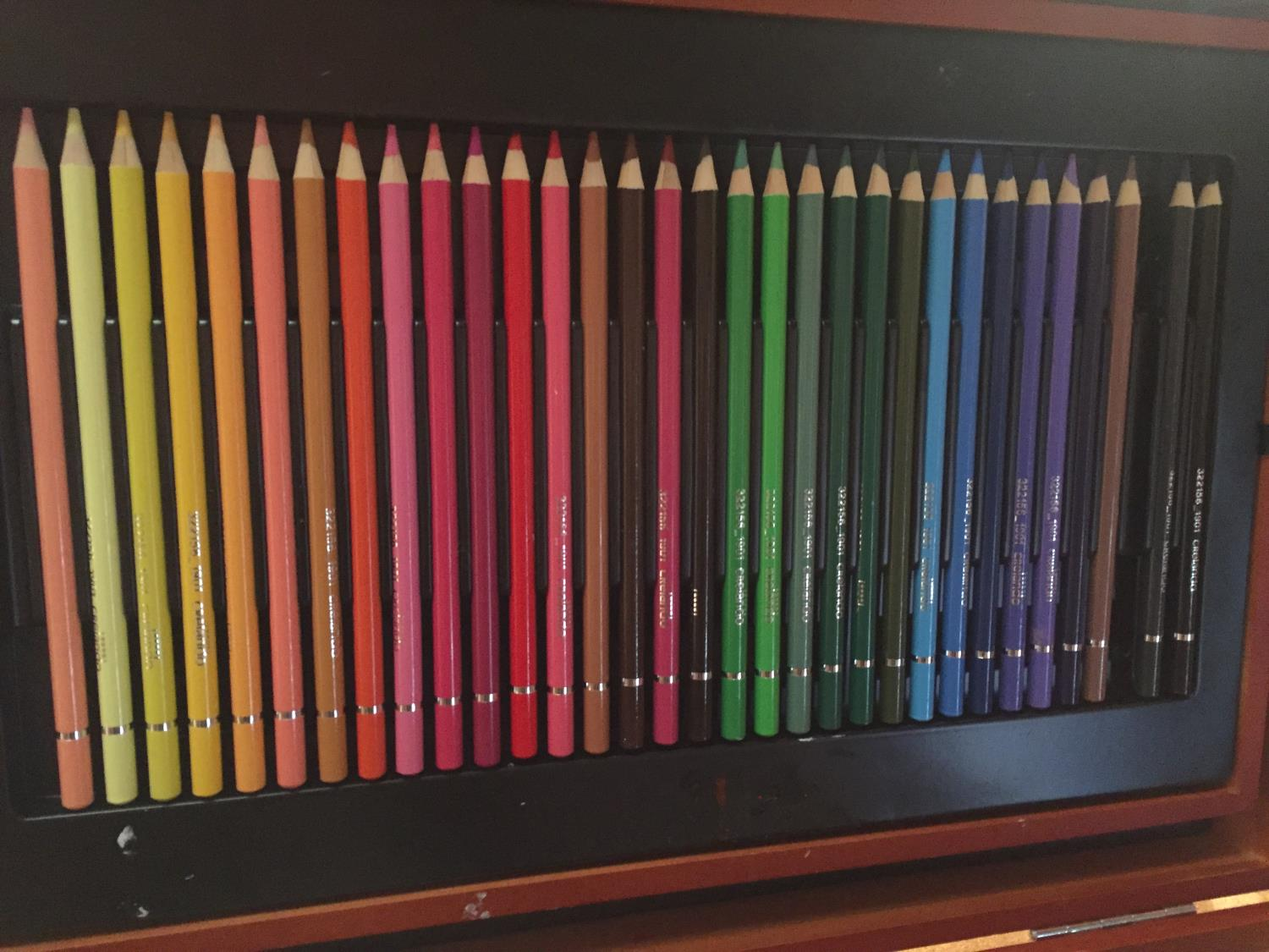 TWO CASES OF ART SUPPLIES TO INCLUDE FELT TIPS, PENCILS, OIL PAINTS ETC - Image 7 of 12