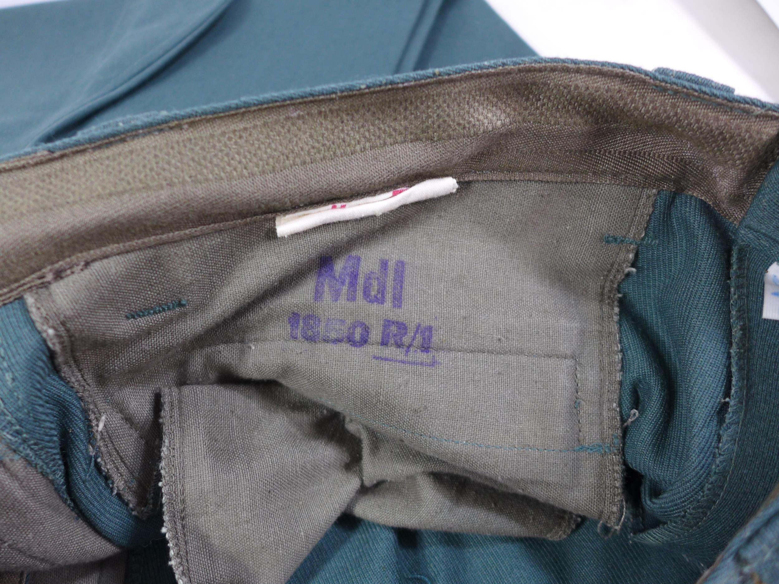 A POST WWII UNIFORM, PROBABLY GERMAN COMPRISING OF A JACKET AND TROUSERS - Image 6 of 6
