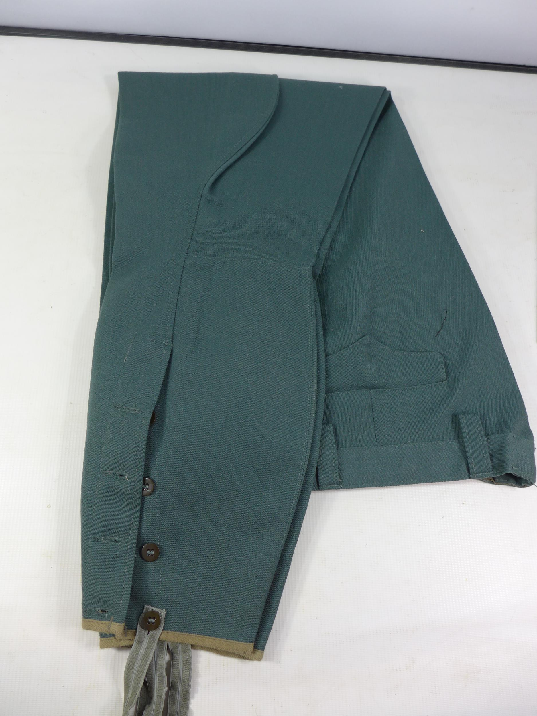 A POST WWII UNIFORM, PROBABLY GERMAN COMPRISING OF A JACKET AND TROUSERS - Image 5 of 6