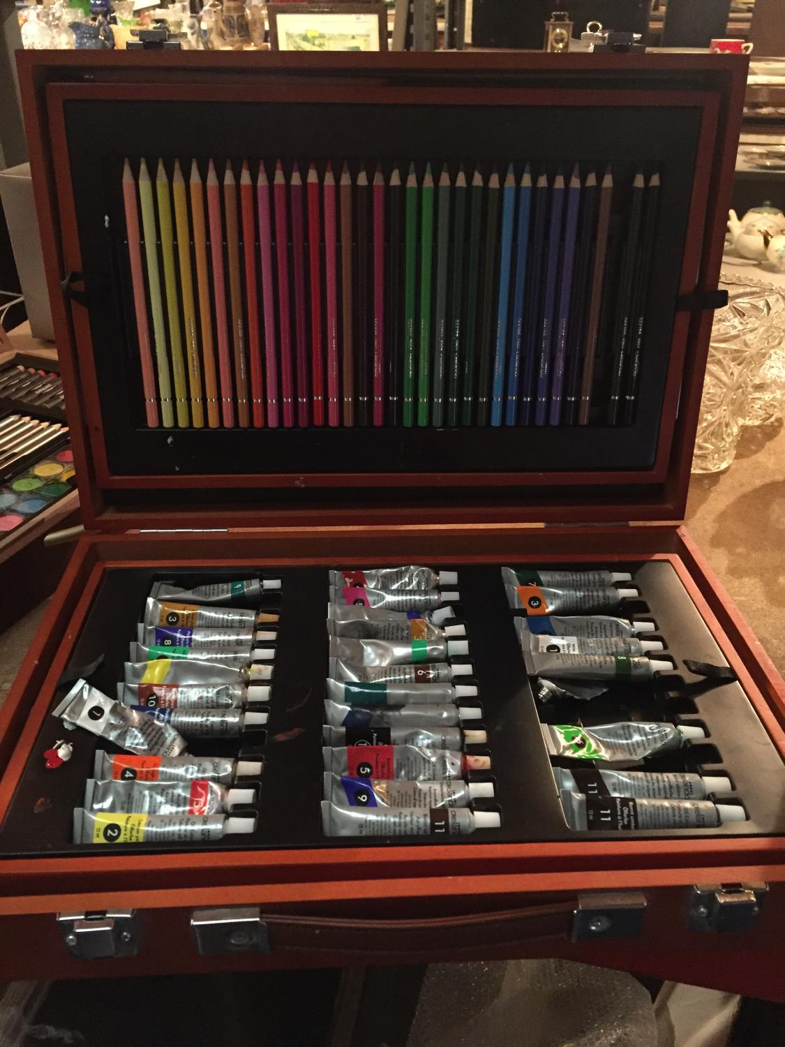 TWO CASES OF ART SUPPLIES TO INCLUDE FELT TIPS, PENCILS, OIL PAINTS ETC - Image 3 of 12