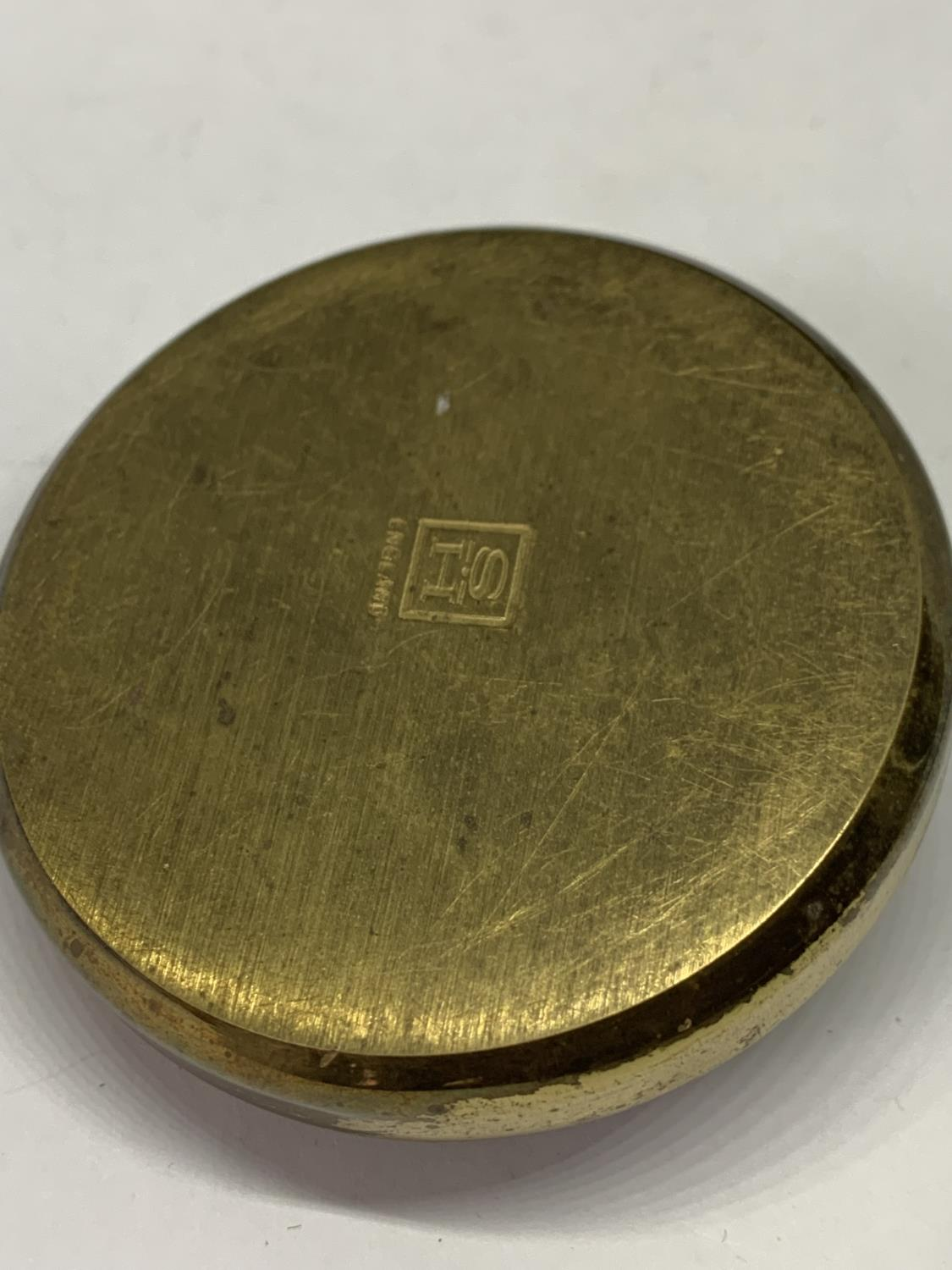 A BRASS PAPERWEIGHT WITH A RAMS HEAD DECORATION - Image 2 of 2