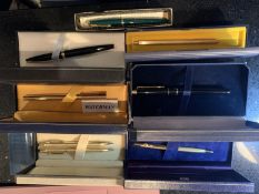 EIGHT VARIOUS PENS IN PRESENTATION BOXES TO INCLUDE PARKER BURBERRYS, WATERMAN ETC