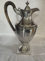 A HALLMARKED 1819 LONDON SILVER CLARET JUG WITH FRUIT WOOD HANDLE, MAKER C S HARRIS AND SONS LTD -