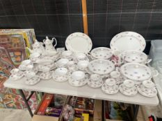 A LARGE QUANTITY OF RICHMOND ROSE TIME BONE CHINA DINNER SERVICE TO INCLUDE TEAPOTS, DUOS AND