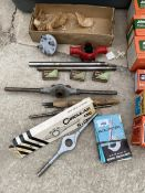 AN ASSORTMENT OF TAP AND DIE ITEMS TO INCLUDE A CIRCULAR DIE STOCK ETC