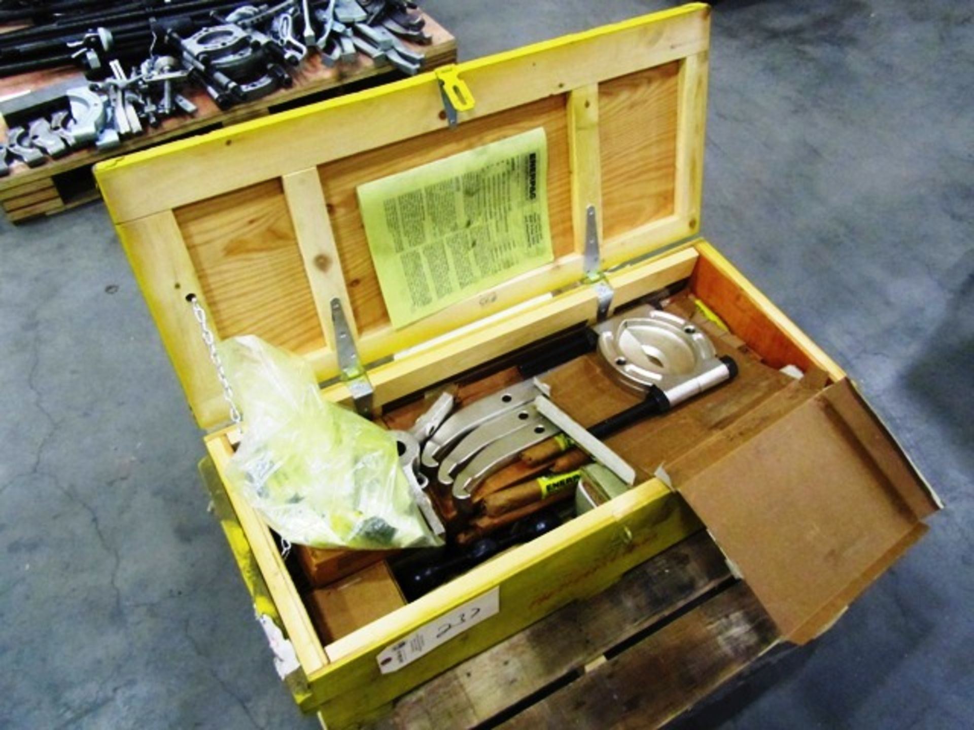 Enerpac BHP Puller Sets & Attachments