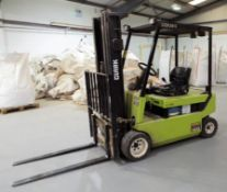 Clarke CEM20S Electric Fork Lift Truck cw Charger & Extended Fork Attachments