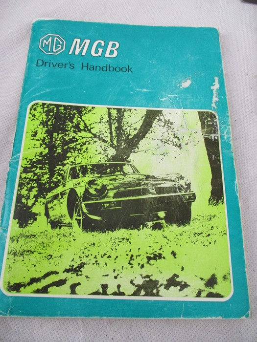 A small collection of car related books etc including MGB Haynes manual, Drivers handbook etc. - Image 4 of 10