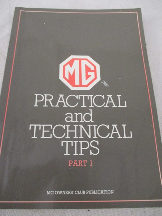A small collection of car related books etc including MGB Haynes manual, Drivers handbook etc. - Image 5 of 10