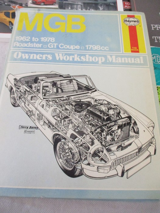 A small collection of car related books etc including MGB Haynes manual, Drivers handbook etc. - Image 2 of 10