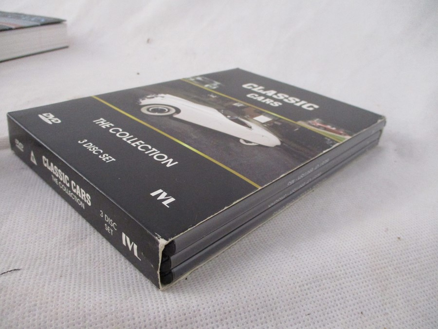 A small collection of car related books etc including MGB Haynes manual, Drivers handbook etc. - Image 10 of 10