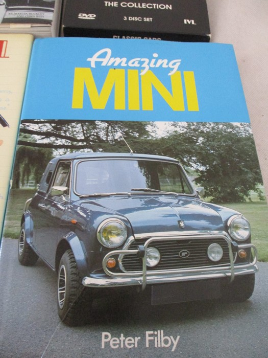 A small collection of car related books etc including MGB Haynes manual, Drivers handbook etc. - Image 9 of 10