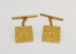 A pair of 18ct gold cufflinks weight 5.6g