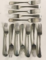 A set of 12 Georgian hallmarked silver forks, total weight 793.5g (25.51 troy ounces), Edinburgh,